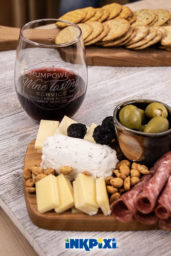 How to prepare a custom cheese board